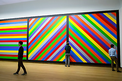 painting Wall Drawing #1084 by Sol Lewitt at  Stedelijk Museum of contemporary art in Amsterdam The Netherlands