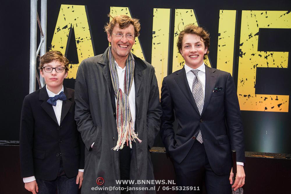 NLD/Amsterdam/20140508 - Wereldpremiere Musical Anne, Ferry Mingele met zijn zonen