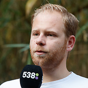 NL/Amersfoort/20200813 -  Bilal Wahib schept tijgerpoep in de  dierentuin, Ivo van Breukelen
