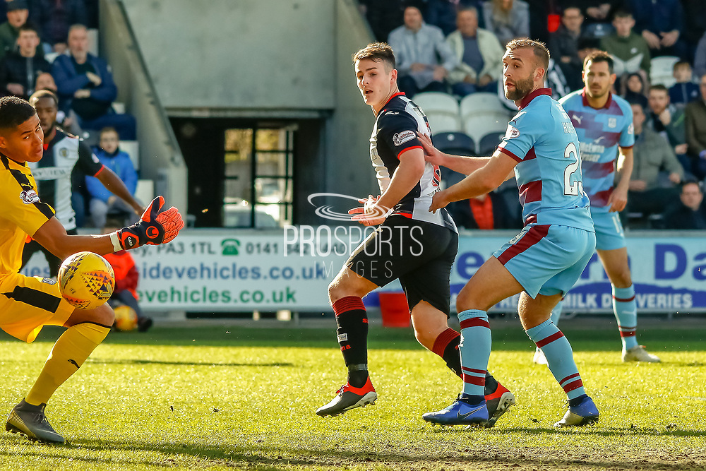 GOAL! Mihai Popescu of St Mirren scores the equaliser during the Ladbrokes Scottish Premiership match between St Mirren and Dundee at the Paisley 2021 Stadium, St Mirren, Scotland on 30 March 2019.