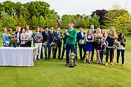 17-05-2015 NGF Competitie 2015, Hoofdklasse Heren - Dames Standaard - Finale, Golfsocieteit De Lage Vuursche, Den Dolder, Nederland. 17 mei. Dames en heren Noordwijkse 1 en 3: team tijdens de prijsuitreiking..