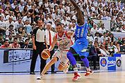 DESCRIZIONE : Campionato 2014/15 Serie A Beko Dinamo Banco di Sardegna Sassari - Grissin Bon Reggio Emilia Finale Playoff Gara6<br /> GIOCATORE : Rimantas Kaukenas<br /> CATEGORIA : Palleggio Penetrazione<br /> SQUADRA : Grissin Bon Reggio Emilia<br /> EVENTO : LegaBasket Serie A Beko 2014/2015<br /> GARA : Dinamo Banco di Sardegna Sassari - Grissin Bon Reggio Emilia Finale Playoff Gara6<br /> DATA : 24/06/2015<br /> SPORT : Pallacanestro <br /> AUTORE : Agenzia Ciamillo-Castoria/C.Atzori