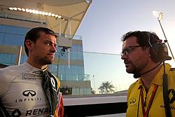 Rennen des Grand Prix von Abu Dhabi auf dem Yas Marina Circuit / 271116<br /> <br /> ***Abu Dhabi Formula One Grand Prix on November 27th, 2016 in Abu Dhabi, United Arab Emirates - Racing Day *** <br /> <br /> Jolyon Palmer (GBR) Renault Sport F1 Team  <br /> 27.11.2016. Formula 1 World Championship, Rd 21, Abu Dhabi Grand Prix, Yas Marina Circuit, Abu Dhabi, Race Day.