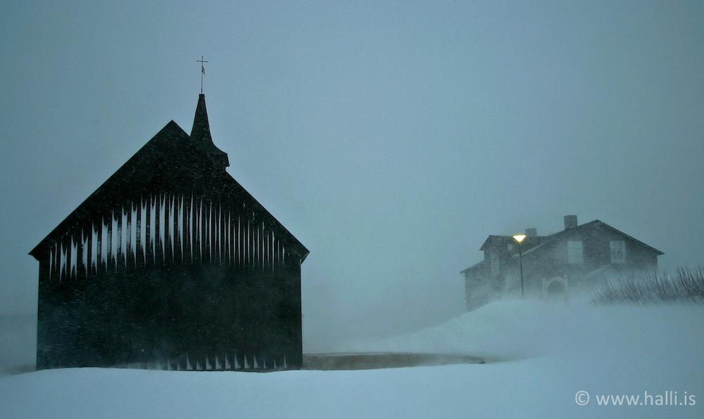 Kirkja við Brautarholt á Kjalarnesi / Church at Brautarholt in Kjalarnes in snowstorm