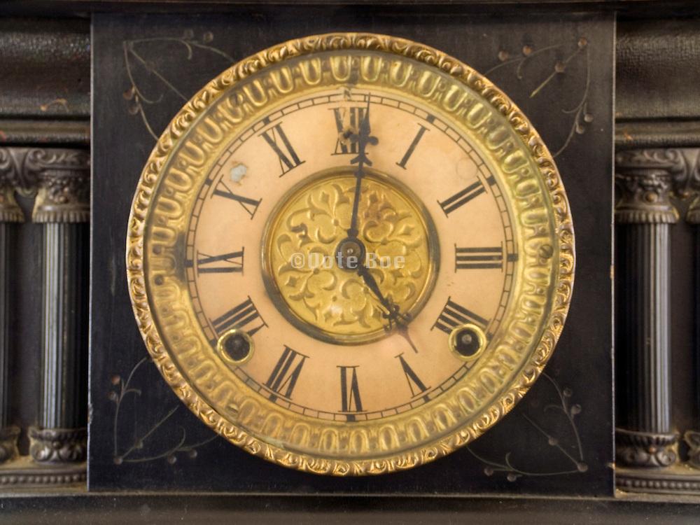 an old windup clock