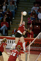 06 November 2004....Laura Doornbos goes for the slam....Illinois State University Redbirds V SouthWest Missouri State University Bears Volleyball.  Redbird Arena, Illinois State University, Normal IL..Illinois State Redbirds v Southwest Missouri State
