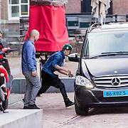 NLD/Amsterdam/20130414 - Justin Bieber rent na 10 minuten de Hermitage in Amsterdam uit,