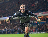 Fotball<br /> England<br /> Foto: Propaganda/Digitalsport<br /> NORWAY ONLY<br /> <br /> BLACKBURN, ENGLAND - Wednesday, December 2, 2009: Blackburn Rovers goalkeeper Paul Robinson celebrates after making his first save in the penalty shoot-out to knock out Chelsea during the Football League Cup Quarter-Final match at Ewood Park.