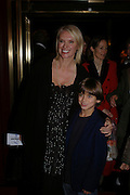 Anneka Rice, Mary Poppins Gala charity night  in aid of Over the Wall. Prince Edward Theatre. 14 December 2004. ONE TIME USE ONLY - DO NOT ARCHIVE  © Copyright Photograph by Dafydd Jones 66 Stockwell Park Rd. London SW9 0DA Tel 020 7733 0108 www.dafjones.com