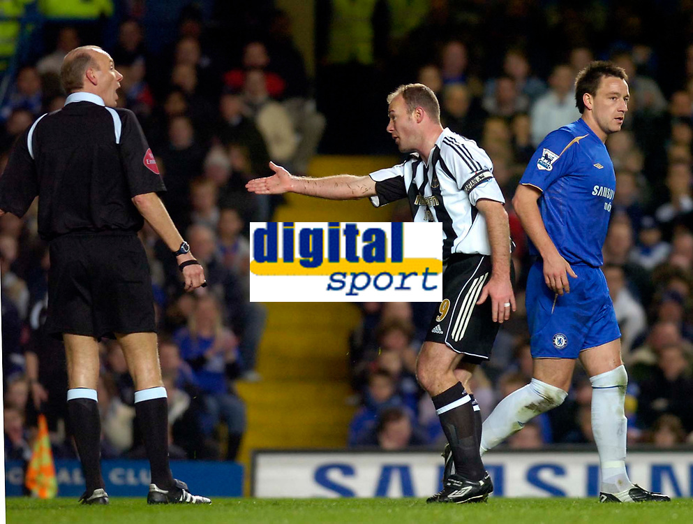 Photo: Alan Crowhurst.<br />Chelsea v Newcastle United. The FA Cup. 22/03/2006. Alan Shearer argues with the referee.