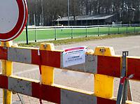 GROENEKAN  - Ook de velden van de VOORDAAN  zijn afgesloten ivm Coronavirus. ….. COPYRIGHT KOEN SUYK
