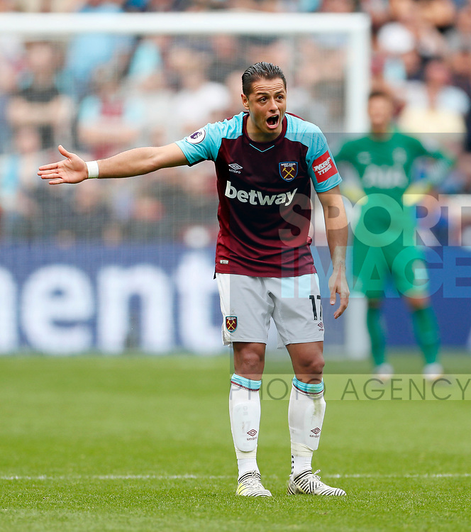 West Ham's Javier Hernandez looks on dejected during the premier league match at the London Stadium, London. Picture date 23rd September 2017. Picture credit should read: David Klein/Sportimage