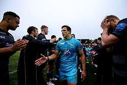 Ryan Mills of Worcester Warriors walks through a guard of honour formed by the Newcastle Falcons players - Mandatory by-line: Robbie Stephenson/JMP - 03/03/2019 - RUGBY - Kingston Park - Newcastle upon Tyne, England - Newcastle Falcons v Worcester Warriors - Gallagher Premiership Rugby