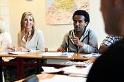Koningin Maxima heeft  een werkbezoek gebracht aan stichting Taal aan Zee. Deze organisatie geeft Nederlandse les aan vluchtelingen, asielzoekers en anderstalige vrouwen. <br /> <br /> Queen Maxima paid a working visit to foundation Language aan Zee. This organization teaches Dutch to refugees, asylum seekers and foreign women.