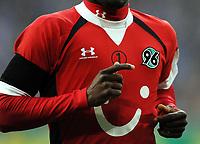 Fotball<br /> Tyskland<br /> Foto: Witters/Digitalsport<br /> NORWAY ONLY<br /> <br /> 21.11.2009<br /> <br /> Trikot Hannover mit einer 1 auf der Brust, zum Gedenken an Robert Enke<br /> Bundesliga FC Schalke 04 - Hannover 96