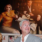 NLD/Amsterdam/20101110 - Presentatie Linda het Boek, Bram Moszkowicz en partner Eva Jinek voor de foto waarmee hun relatie begon