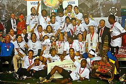 A equipe da Liga Desportiva - LDU, comemora o título da Copa Libertadores da América 2008 após derrotar o Fluminense, em 03 de julho de 2008 no estádio Maracanã. FOTO: Jefferson Bernardes/Preview.com
