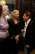 Emma Kitchener-Fellowes, Princess Michael of Kent and Nicky Haslam. andrew Roberts and Leonie Frieda celebrate the publication of Andrew's 'Waterloo: Napoleon's Last Gamble' and the paperback of Leonie's 'Catherine de Medic'i. English-Speaking Union, Dartmouth House. London. 8 February 2005. ONE TIME USE ONLY - DO NOT ARCHIVE  © Copyright Photograph by Dafydd Jones 66 Stockwell Park Rd. London SW9 0DA Tel 020 7733 0108 www.dafjones.com