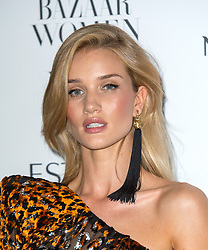 Rosie Huntington-Whiteley bei den Harper's Bazaar Women of the Year Awards 2016 in London / 311016<br /> <br /> *** Harper's Bazaar Women of the Year Awards 2016 in London on October 31, 2016 ***