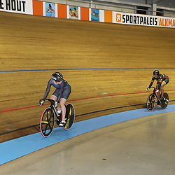 28-12-2017: Wielrennen: NK Baan: Alkmaar<br />Finale NK Sprint Laurine van Riessen op kop wint in twee ritten van Elis Ligtlee