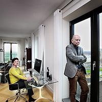 Nederland, Amsterdam , 12 december 2012..Huib de Vet en Gea Dekkers wonen in de Symphonietoren aan de Zuidas..Foto:Jean-Pierre Jans