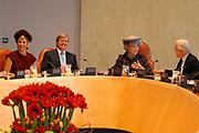 Koningin Beatrix heeft afscheid genomen van Herman Tjeenk Willink als vice-president van de Raad van State.<br /> <br /> Queen Beatrix has said goodbye to Herman Tjeenk Willink as vice-president of the Council of State.<br /> <br /> Op de foto / On the Photo: Koningin Beatrix, prins Willem-Alexander en prinses Maxima