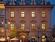 Kamienica Mennica (Kamienica Margrabska) - jedna z zabytkowych kamienic przy rynku w Krakowie, Polska<br /> Mint House (Margrave House) - one of the historic townhouses on the Main Market Square in Cracow, Poland