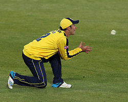Hampshire's Will Smith takes a catch - Photo mandatory by-line: Robbie Stephenson/JMP - Mobile: 07966 386802 - 04/06/2015 - SPORT - Cricket - Southampton - The Ageas Bowl - Hampshire v Middlesex - Natwest T20 Blast