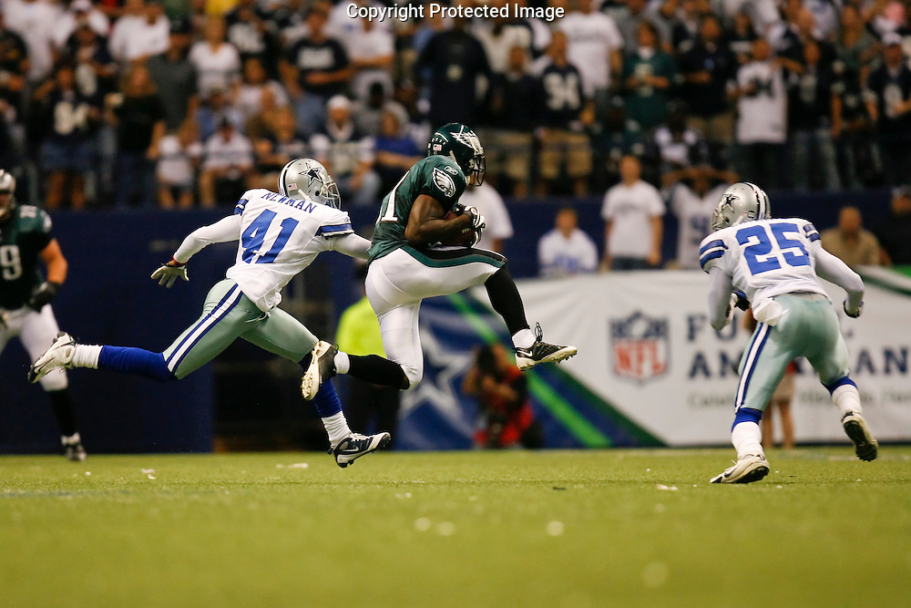 15 Sept 2008: Philadelphia Eagles wide receiver Jason Avant #81 runs past Dallas Cowboys cornerback Terence Newman #41 during the game against the Dallas Cowboys on September 15th, 2008. The Cowboys beat the Eagles 41-37 at Texas Stadium in Irving, Texas.