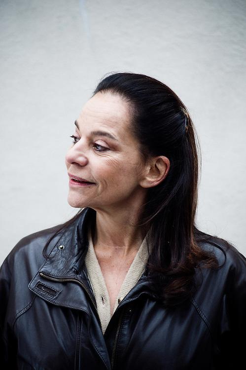 Caroline Eliacheff, ecrivain, pedo-psychiatre et chroniqueuse radio (France Culture), dans le square Gabriel Pierne, Paris 6e, France. 26 janvier 2010. Photo : Antoine Doyen
