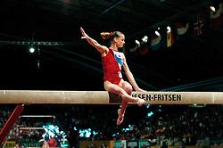 01-05-2004 TURNEN: EUROPEES KAMPIOENSCHAP DAMES: AMSTERDAM<br /> Svetlana Khorkina RUS<br /> ©2004-www.fotohoogendoorn.nl