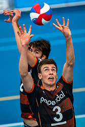 26-10-2019 NED: Talentteam Papendal - Draisma Dynamo, Ede<br /> Round 4 of Eredivisie volleyball - Markus Held #3 of Talent Team