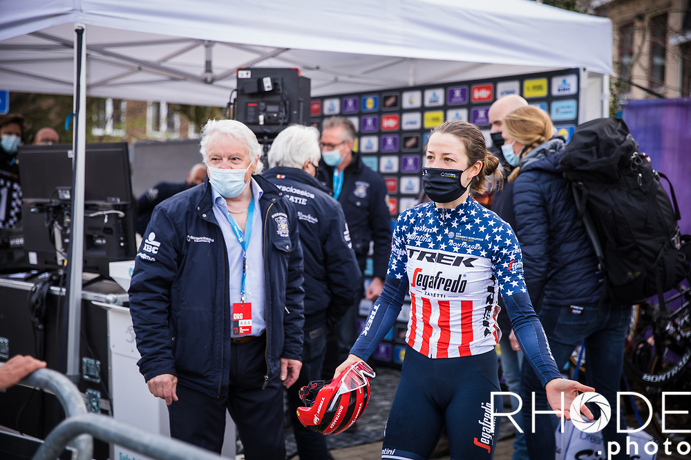Ruth Winder (USA/Trek Segafredo)  snatches victory on the line by a matter of millimetres to cut short Demi Vollering (NED/SDWorx) celebrations. <br /> <br />  Women's Elite Brabantse Pijl 2021 <br /> 1 Day Race: Lennik - Overijse 127km<br /> <br /> ©Rhode.Photo