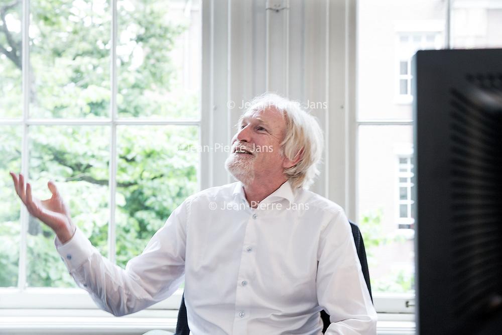 Nederland, Amsterdam, 29 juni 2017.<br /> Prof. dr. Clemens van Blitterswijk. <br /> Clemens van Blitterswijk is de drijvende kracht achter RegMed XB, een breed samenwerkingsverband van universiteiten overheden en bedrijven dat vooruitgang probeert te bereiken op het gebied van de regeneratieve geneeskunde.<br /> <br /> Foto: Jean-Pierre Jans