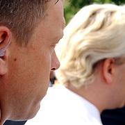 NLD/Hilversum/20050525 - Geert Wilders op campagne bezoek aan Hilversum.beveiliging, politicus, DKDB
