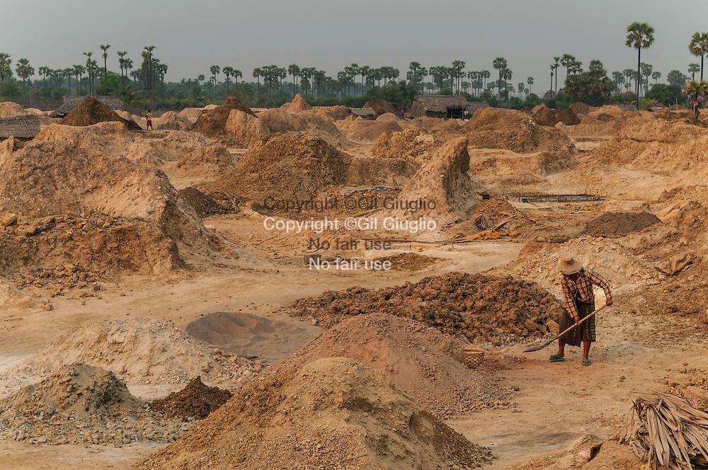 Myanmar, ex Birmanie, région de Sagaing Division, recyclage et fabrication de cuivre dans la région de Monwya// Myanmar, ex Burma, Sagaing Division, recycle for brass area of Monwya