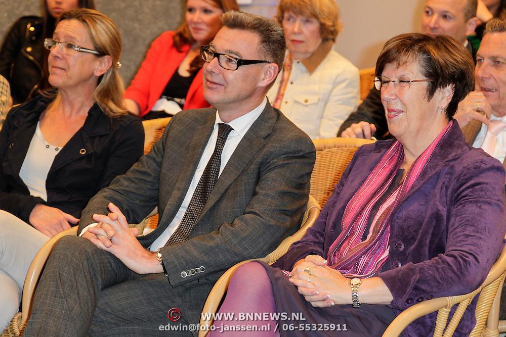 NLD/Almere/20120411 - Persviewing Buch in de Bajes,