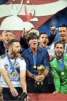 Jubel Sieger Deutschland, v.l. Shkodran Mustafi, Bundestrainer Joachim ''Jogi'' Loew mit dem Pokal<br /> St. Petersburg, 02.07.2017, Fussball, Confederations Cup 2017 in Russland, Finale, Chile - Deutschland 0:1<br /> Chile - Tyskland<br /> Norway only