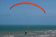 Canoa Quebrada_CE, Brasil...Praia de Canoa Quebrada, no Ceara. Detalhe para um praticante de parapente...Canoa Quebrada beach in Ceara. In this photo paraglide...Foto: BRUNO MAGALHAES / NITRO