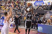 DESCRIZIONE : Roma Lega serie A 2013/14  Acea Virtus Roma Virtus Granarolo Bologna<br /> GIOCATORE : Dwight Hardy<br /> CATEGORIA : tiro three points mani curiosita'<br /> SQUADRA : Virtus Granarolo Bologna<br /> EVENTO : Campionato Lega Serie A 2013-2014<br /> GARA : Acea Virtus Roma Virtus Granarolo Bologna<br /> DATA : 17/11/2013<br /> SPORT : Pallacanestro<br /> AUTORE : Agenzia Ciamillo-Castoria/GiulioCiamillo<br /> Galleria : Lega Seria A 2013-2014<br /> Fotonotizia : Roma  Lega serie A 2013/14 Acea Virtus Roma Virtus Granarolo Bologna<br /> Predefinita :