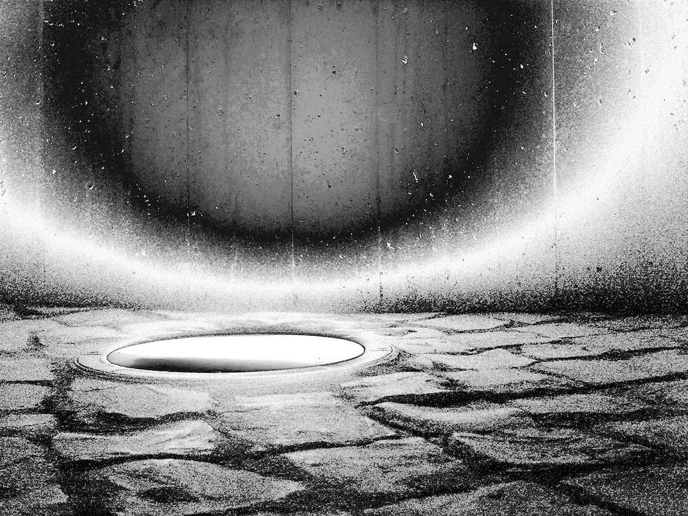 1er Premio IX Concurso de Fotografía de Arquitectura <br /> Contemporánea, organizado por el Colegio Oficial de Arquitectos de Huelva.  2008<br /> Sección II: Fotografía Manipulada de fuera de la provincia de Huelva.<br /> Foco de iluminación exterior empotrado en pavimento de adoquín portugués en el Museo de la Memoria de Andalucía, Coria del Río. Sevilla. Arquitectos David Fernández Zamora, Javier Díaz-Borrego Horcajo, Myriam Hurtado Ortiz / <br /> 1st prize VIII Contemporary Architecture Photography Competition, organized by the Huelva Architectural Association COAH.  2008. Section II.<br /> Exterior lighting at the Andalucia Memory Museum, Coria del Río. Spain. Architects David Fernández Zamora, Javier Díaz-Borrego Horcajo, Myriam Hurtado Ortiz
