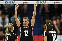 09.10.2010, Halle Berg Fidel, Muenster, GER, Vorbereitung Volleyball WM Frauen 2010, Laenderspiel Deutschland ( GER ) vs. Tuerkei ( TUR ), im Bild Kathleen Weiss (#2 GER), Heike Beier (#12 GER), Nadja Schaus (#18 GER). EXPA Pictures © 2010, PhotoCredit: EXPA/ nph/   Conny Kurth+++++ ATTENTION - OUT OF GER +++++