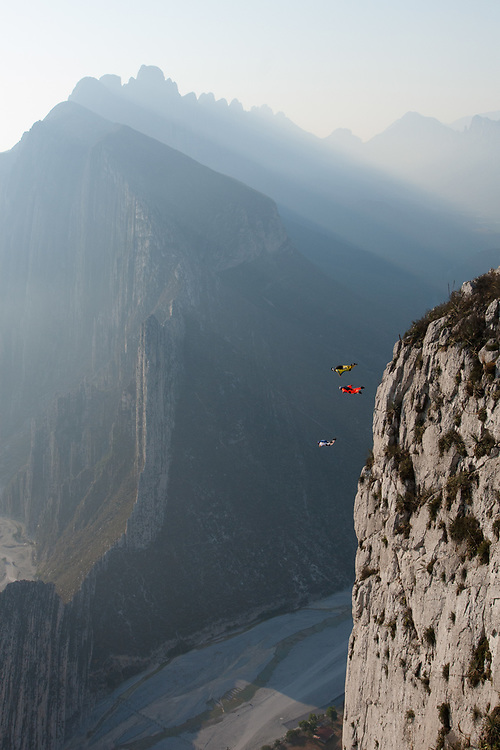 JT Holmes, Miles Daisher, Julian Boulle B.A.S.E jumping from Pico Independencia in La Huasteca, Nuevo León, Mexico.<br /> Client/Project: Altius / Adrenalina Nuevo León