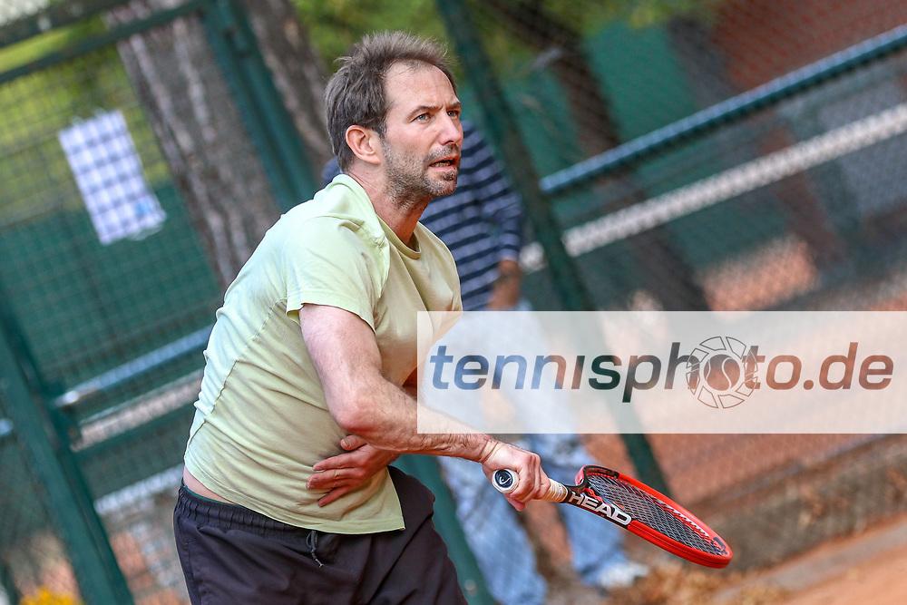 Lutz Neumetzler (Grunewald Tennis-Club), Grunewald Open 2018 - Senioren, Finals, Berlin, 16.09.2018, Foto: Claudio Gärtner