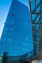 O Cristal Tower BarraShoppingSul conta com uma infra-estrutura de 1º mundo, sendo o único empreendimento comercial de Porto Alegre interligado ao maior e mais completo shopping do Sul do País. Uma torre empresarial completa, onde trabalho, conveniência, modernidade e natureza convivem em total harmonia. FOTO: Jefferson Bernardes/ Agência Preview