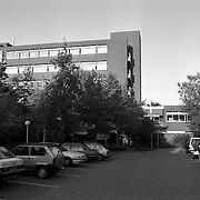 NLD/Baarn/19921012 - Ziekenhuis Maarschalksbos Baarn met parkeerterrein