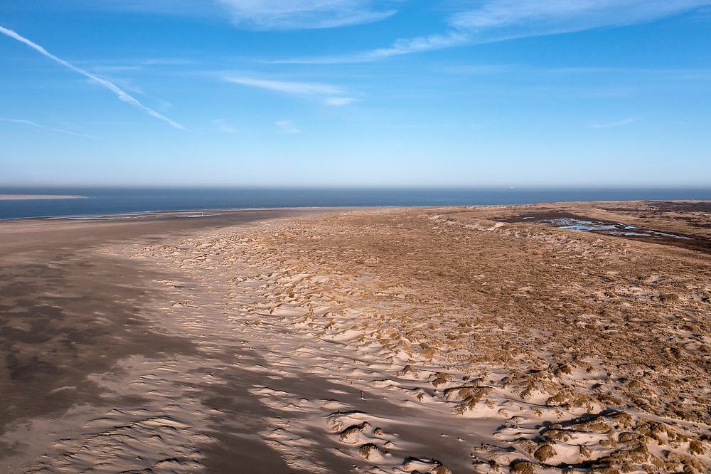 Nederland, Noord-Holland, Texel, 30-03-2021; De Hors<br /> De Hors voormalige zandplaat, nu onderdeel van Nationaal Park Duinen van Texel.<br /> De Hors former sandbank, now part of National Park Dunes of Texel.<br /> drone-opname (luchtopname, toeslag op standaard tarieven);<br /> drone recording (aerial, additional fee required);<br /> copyright foto/photo © 2021 Siebe Swart
