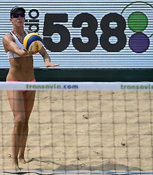 18-07-2014 NED: FIVB Grand Slam Beach Volleybal, Scheveningen<br /> Knock out fase - Louise Bawden (2) AUS