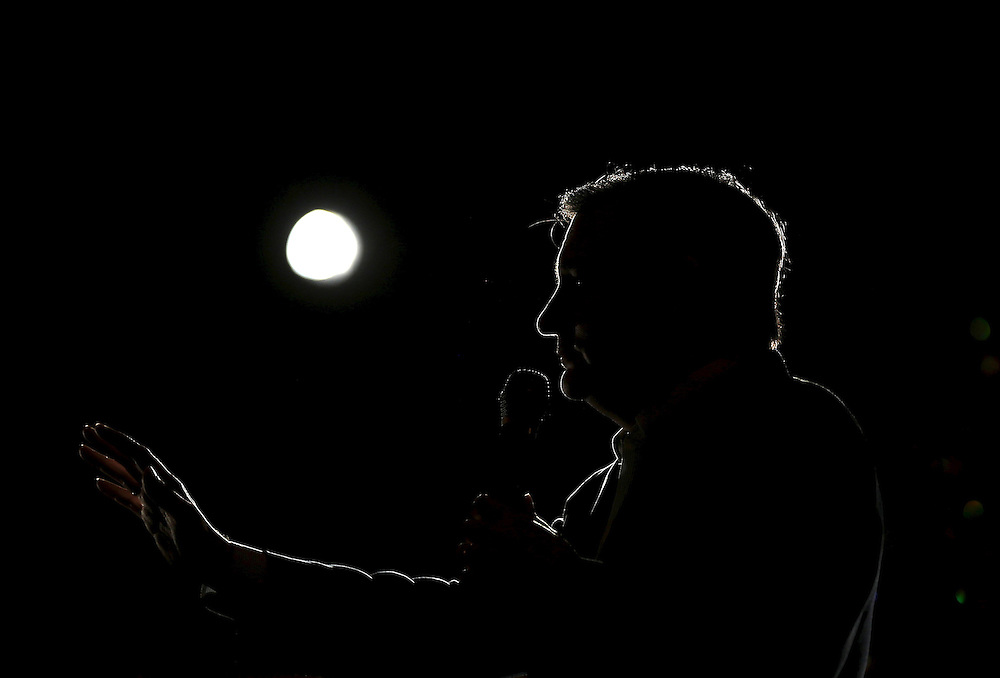 U.S. Republican presidential candidate Ted Cruz speaks at a campaign rally in Glen Ellyn, Illinois March 14, 2016.    REUTERS/Jim Young