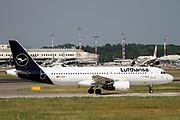 D-AIZC Lufthansa Airbus A320-214 at Malpensa (MXP / LIMC), Milan, Italy